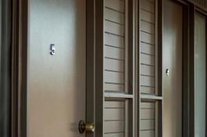 motel meneres unit doors