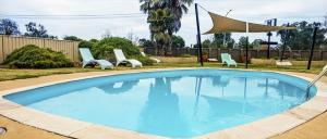 motel meneres pool