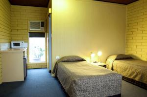 motel meneres twin room